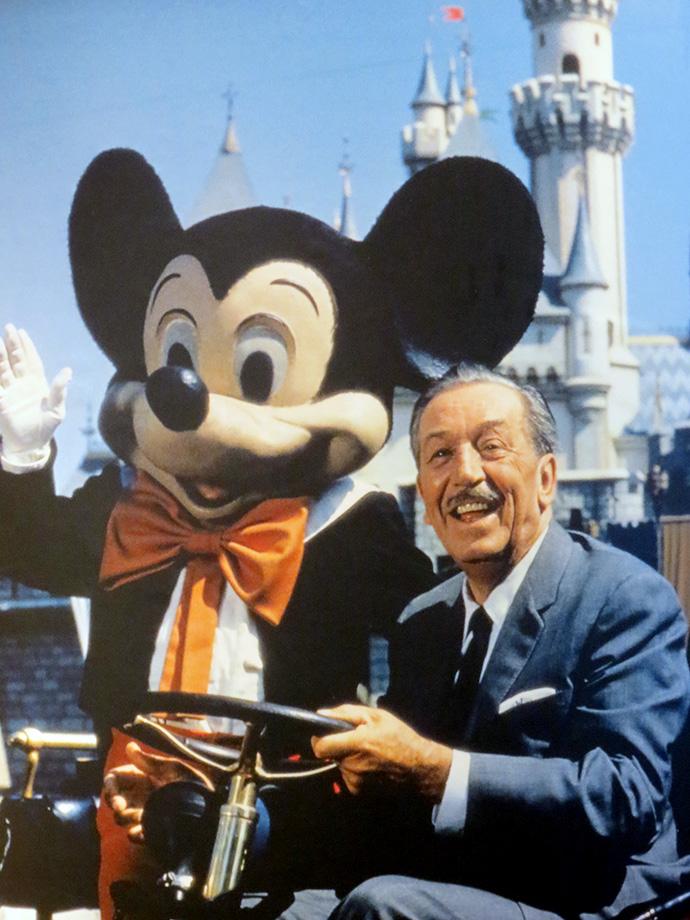 Vc precisa visitar:No Hollywood Studios, na atração Walt Disney: One Man's Dream - vc acompanha uma espécie de linha do tempo, com direito a entrevistas exclusivas, objetos, os primeiros produtos e o surgimento das ideias de Walt. Além disso, de tempos em tempos vc pode assistir um documentário sobre a vida de Disney - imperdível!